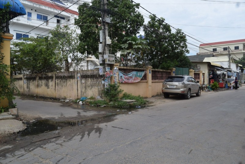 Land on corner at stueng Mean chey for sale