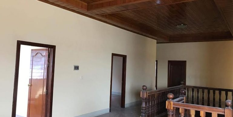 Big villa for sale in Kratie (2)