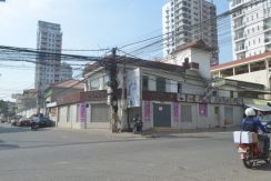 Commercial place on corner for rent at BKK2 (2)