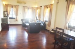 Beautiful apartment for rent in Tonle Bassac (2)