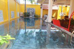 Beautiful villa with pool in Daun Penh for sale (1)