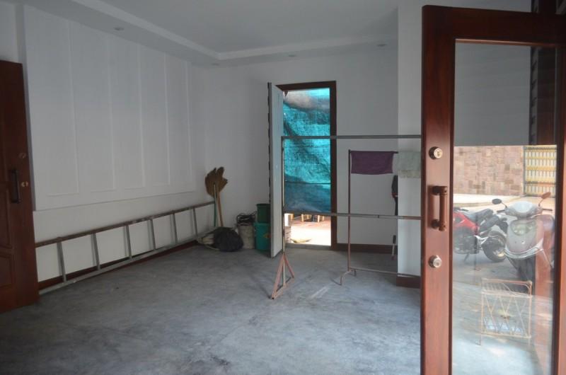 ... Shop House For Rent In Daun Penh (5) ...