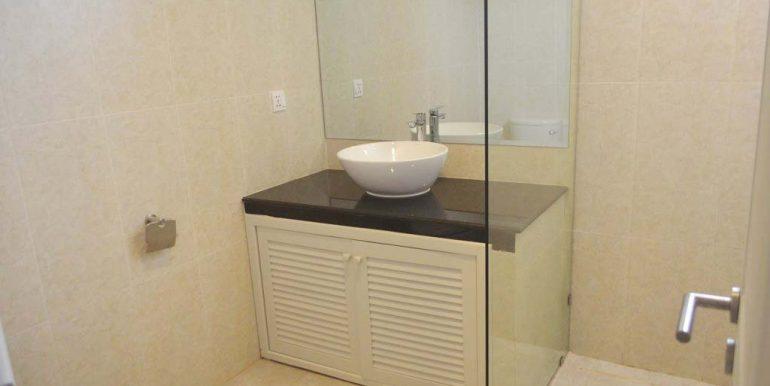 2-bedrooms-Apartment-for-rent-in-Boengkak-II Bathroom