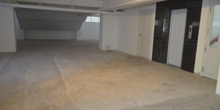 2-bedrooms-Apartment-for-rent-in-Boengkak-II Elevator