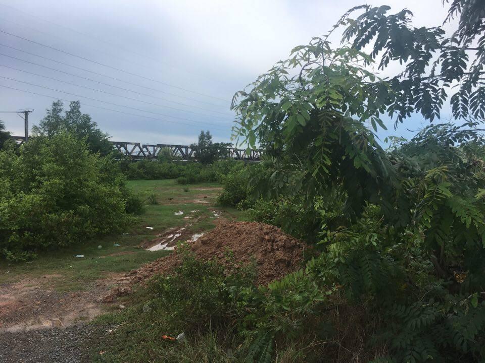 Land along Kompot River sale