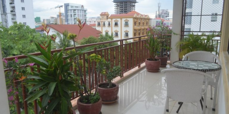 Resident-apartment-for-rent-in-BKK1-1-770x386.jpg (3)