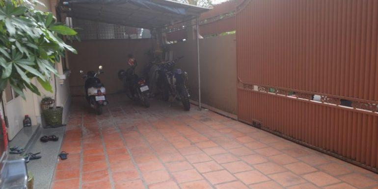 2 Bedrooms Apartment for rent In 7makara (11)
