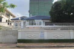 5-bedroom Villa for rent in Toul Kork (1)