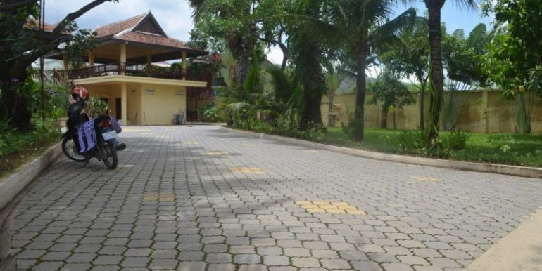 Big villa for sale (22)