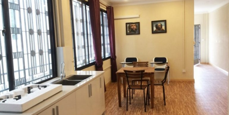 Bright Nice Apartment For Rent In BKK3 (10)