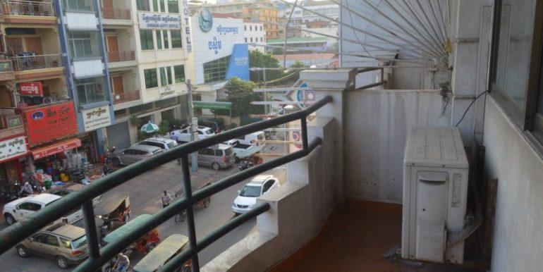 House for rent in Daun Penh (12)