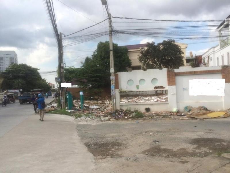Corner Land For Rent In Toul Tompung