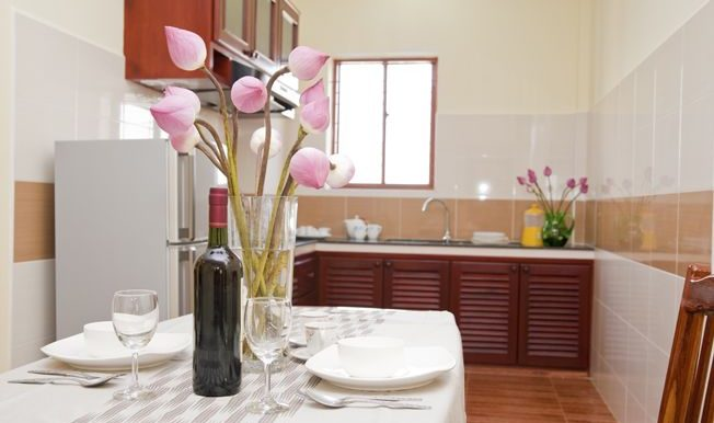 2 Bedrooms Apartment - Dining Area with Kitchen 2