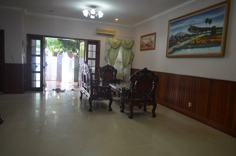 4 Bedrooms villa For Rent In Tonlebasac