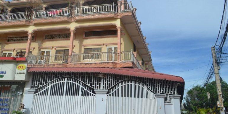 Corner house for rent in Toul kork (2)