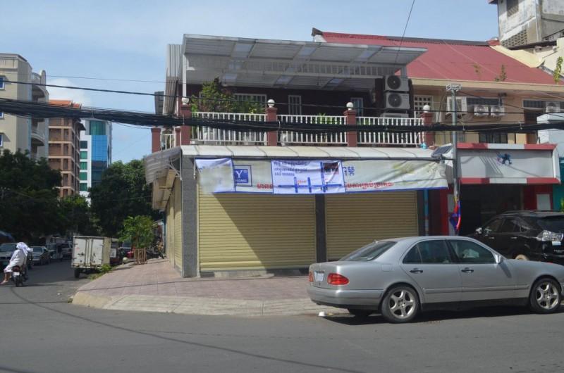 Corner House For Rent In Daun Penh