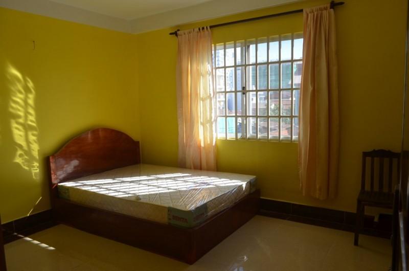 400$ 2Bedroom Apartment For Rent In Russian market