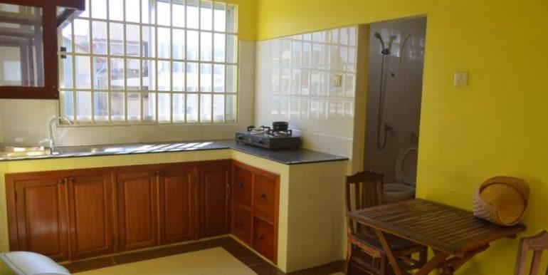 400$ 2Bedroom Apartment For Rent In Russian market (4)