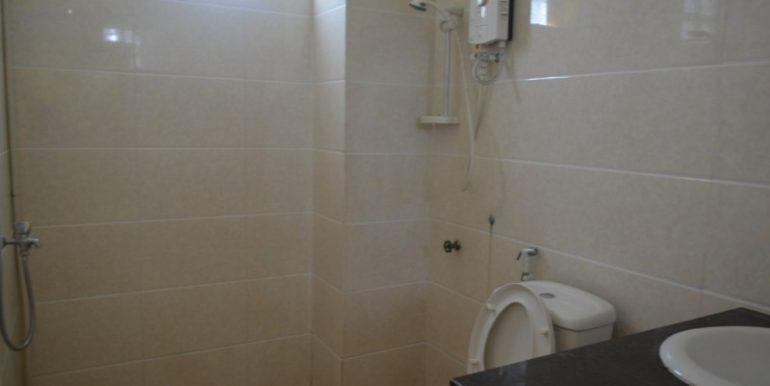 400$ 2Bedroom Apartment For Rent In Russian market (8)