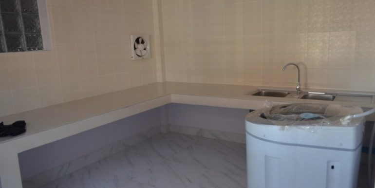 500$ 2Bedrooms Apartment For Rent In Russian market (7)