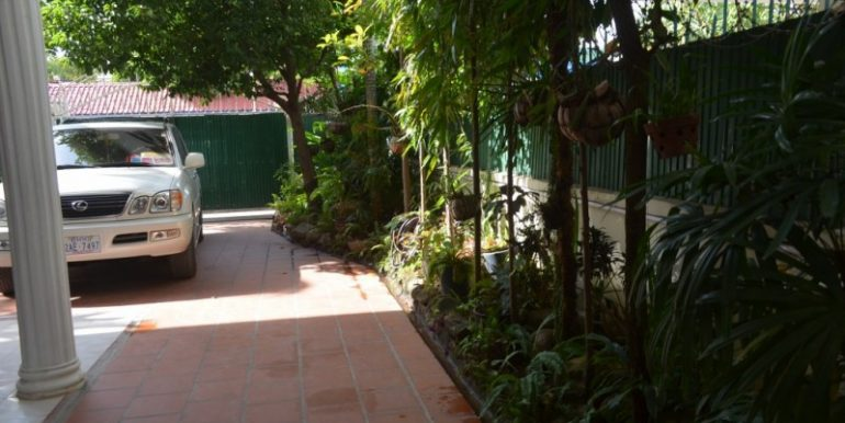 6 Bedrooms Villa For Sale In Toul Kork (12)
