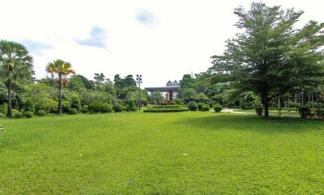 aa condo garden