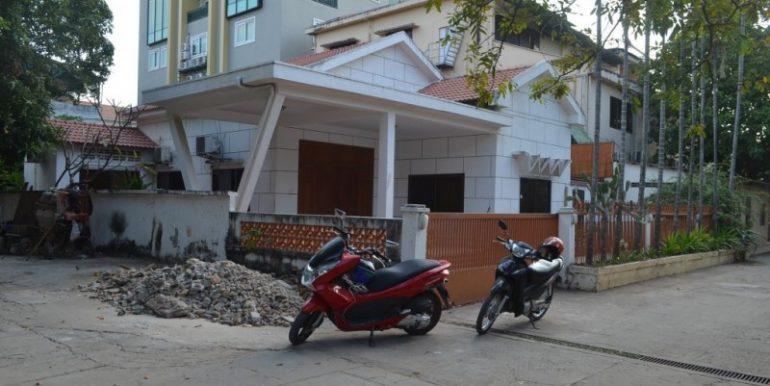 3Bedrooms Villa For Rent In BKK1 (2)