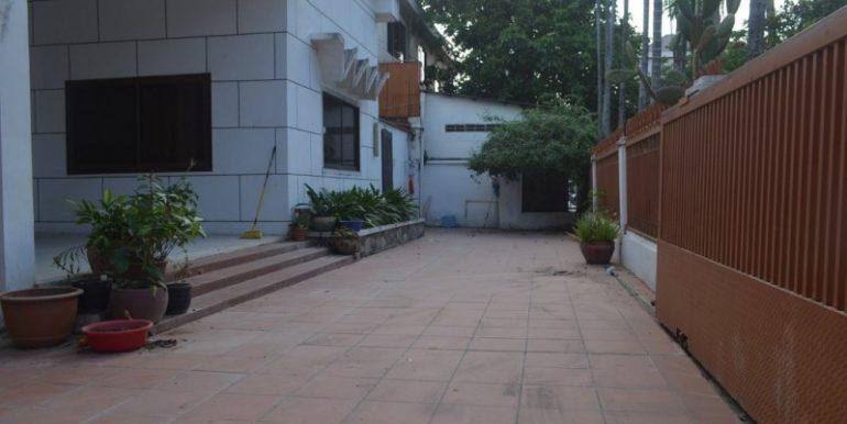 3Bedrooms Villa For Rent In BKK1 (9)