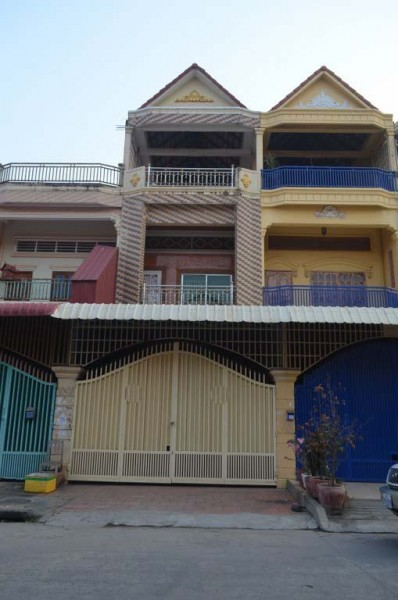 4Bedrooms House For Rent Or sale In Toul Sangke