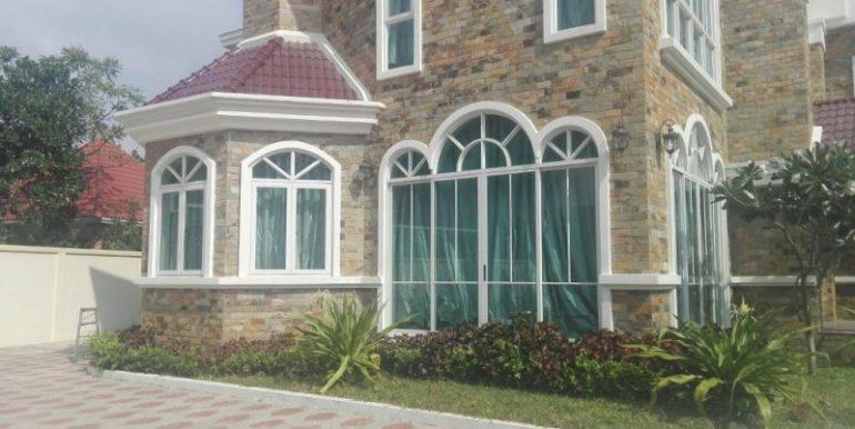 5Bedrooms Nice Villa For Rent In Tonlebasac (11)