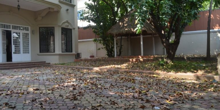 7Bedrooms Villa For Rent In BKK1 (1)