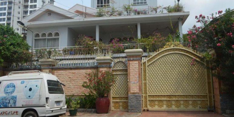 10 Rooms Villa For Rent In BKK3 (1)