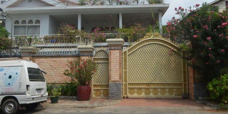 10 Rooms Villa For Rent In BKK3 (2)