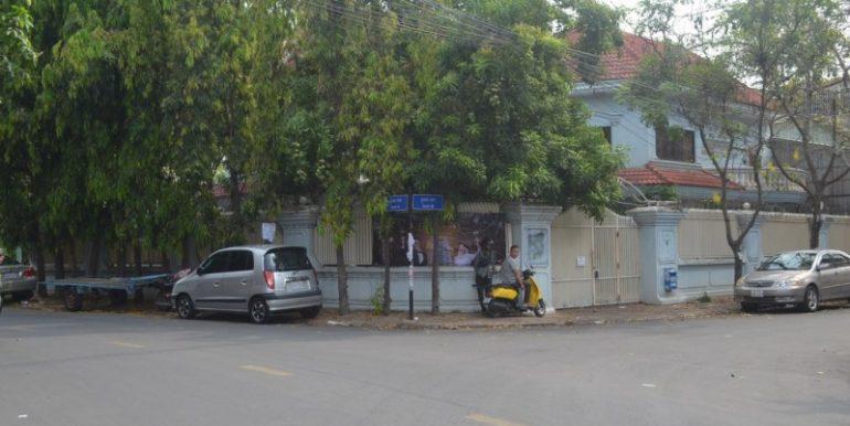 5Bedrooms Villa for Rent In Russian Market (2)