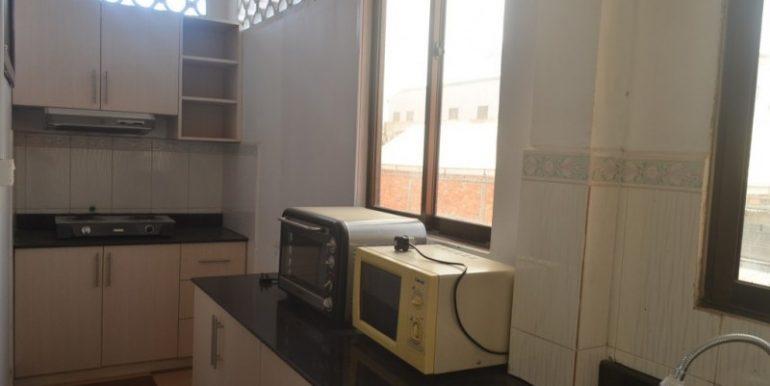 4 Bedrooms Apartment For Rent In Daun Penh (1)