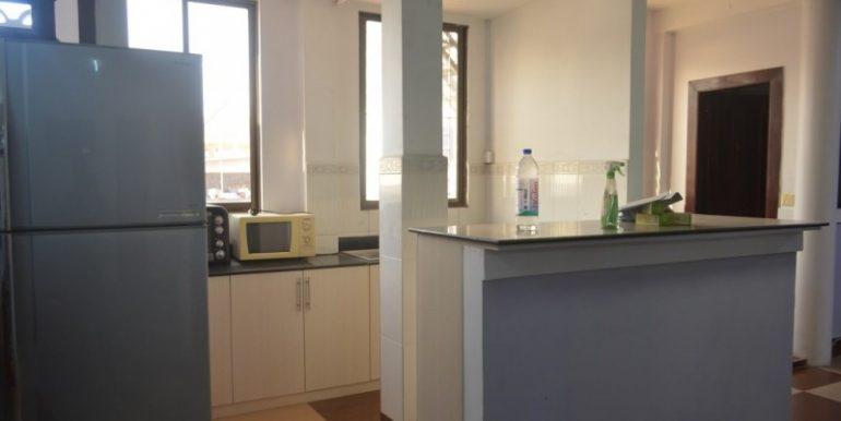 4 Bedrooms Apartment For Rent In Daun Penh (12)