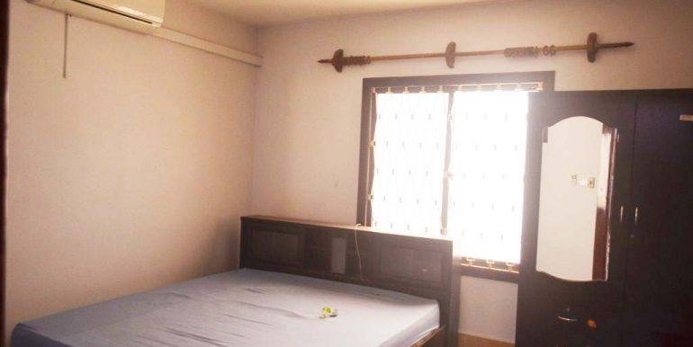 4 Bedrooms Apartment For Rent In Daun Penh (3)