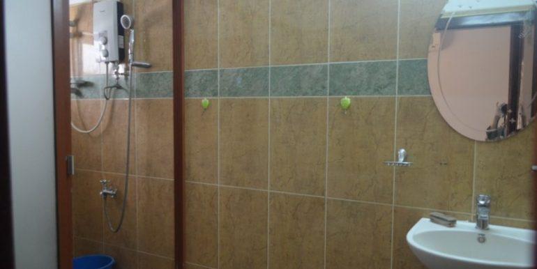 4 Bedrooms Apartment For Rent In Daun Penh (4)
