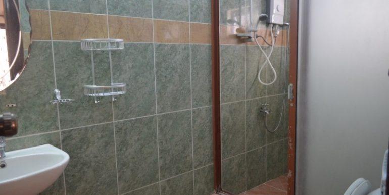 4 Bedrooms Apartment For Rent In Daun Penh (8)