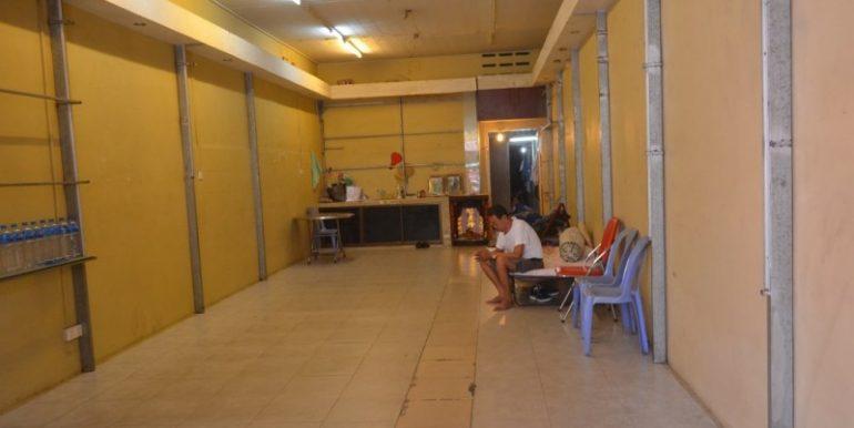 Shop House For Rent Near Ou russei Market (3)