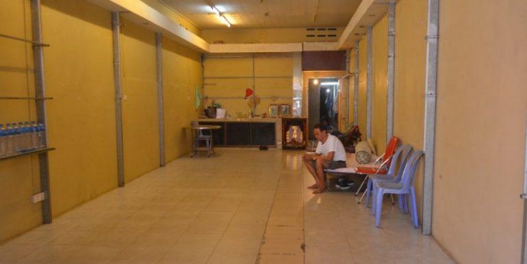 Shop House For Rent Near Ou russei Market (4)