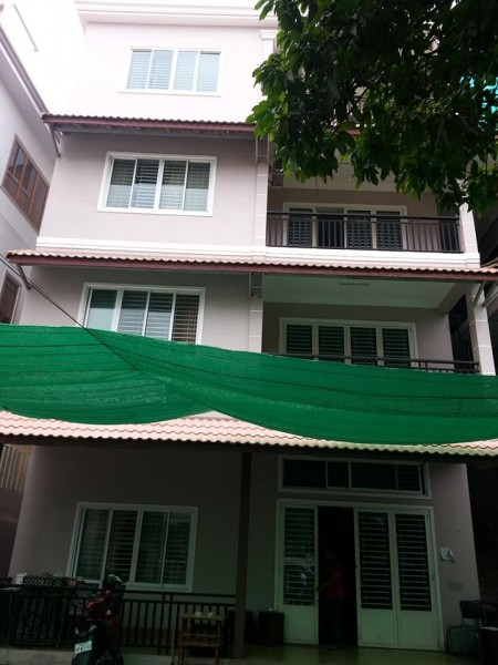 13 Bedrooms Apartment/Office Building for Rent