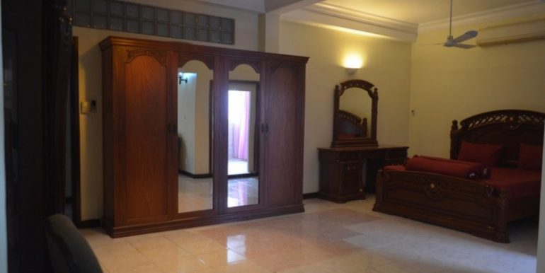 3 Bedrooms Apartment For Rent In Daun Penh (7)