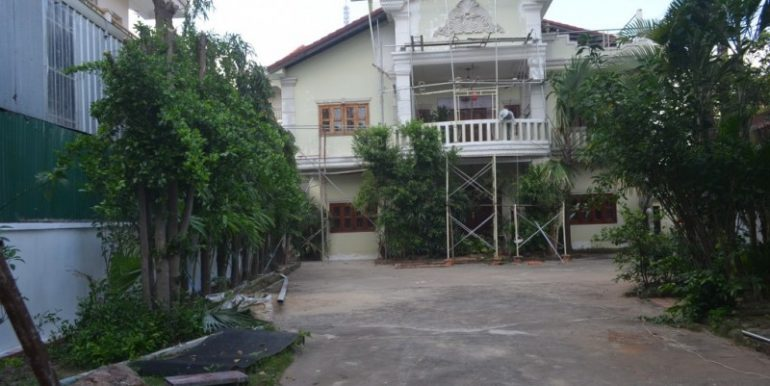 5Bedrooms Villa For Rent In Boeung kak1 (1)