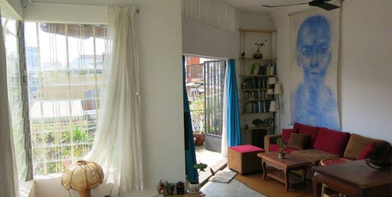 One Corner Bedroom Apartment with Balcony For Rent In BKK2 (4)