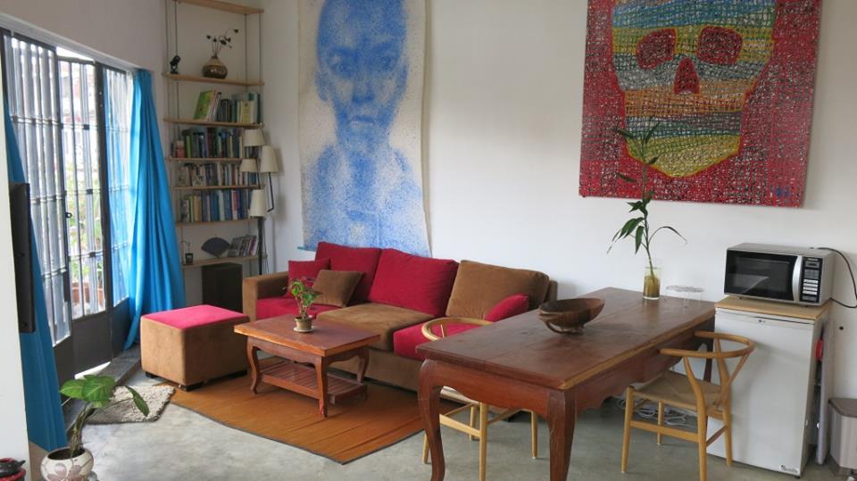 One Corner Bedroom Apartment with Balcony For Rent In BKK2