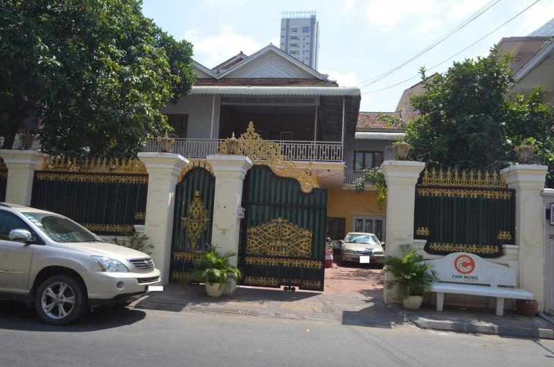 (English) Nice Villa for Rent at Toul Tompong