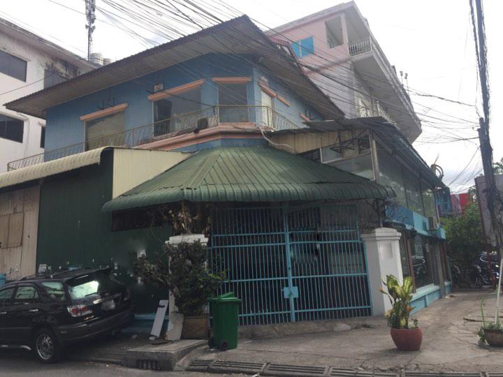 Corner House for Rent at 7 Makara