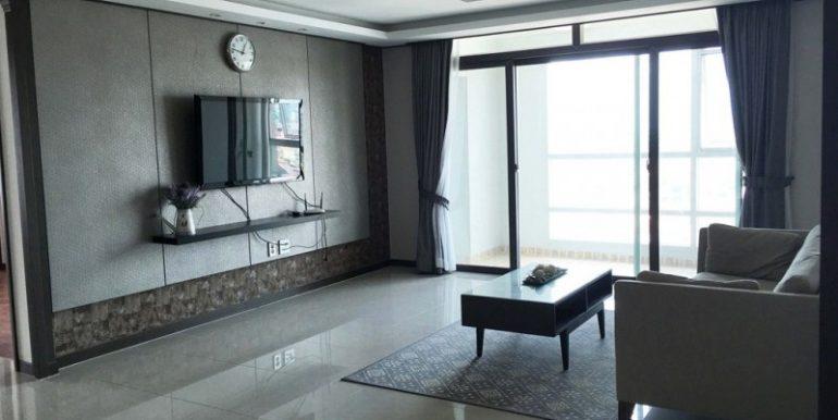 3-bedroom condo for rent in BKK1 (1)