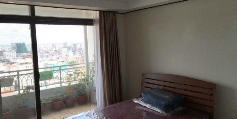 3-bedroom condo for rent in BKK1 (2)